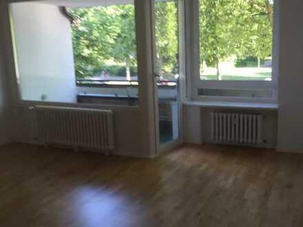 Komplett Sanierte 2,5-Zimmerwohnung - Schlafzimmer zum ruhigen Garten frei ab 1. Juli 2019