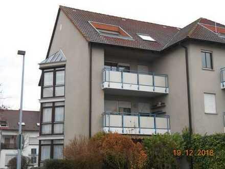 Nach Westen ausgerichtete 2-Zimmer ETW mit Loggia und TG-Platz am Steinberg