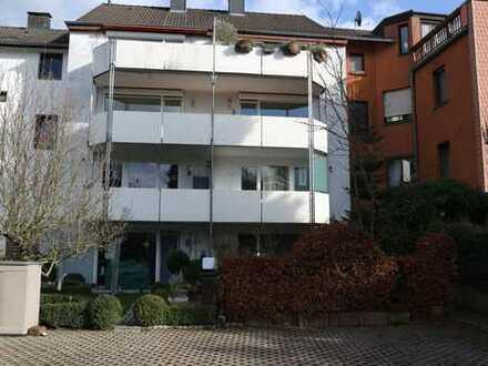 Aachen-Eilendorf: Helle Eigentumswohnung in gepflegtem 6- Familienhaus mit großem Südbalkon