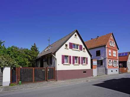 Kompaktes Haus mit Lustgarten