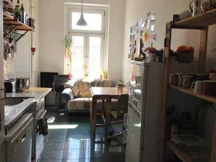 Helles, geräumiges Zimmer, mitten im Herzen der Südvorstadt!