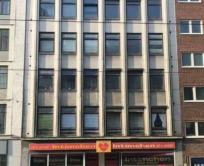 Ladengeschäft in Innenstadtnähe, große Schaufenster