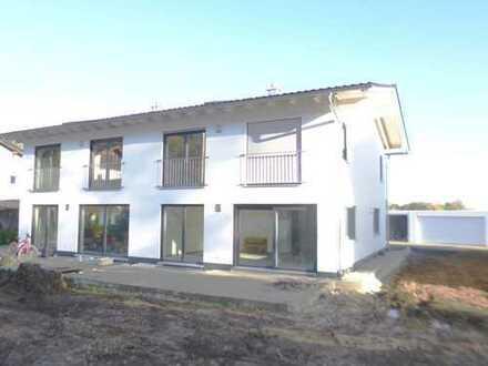 +++Life & Style+++ Top moderne Neubau Doppelhaushälfte im Erstbezug+++