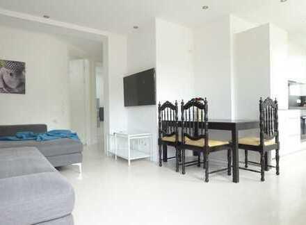Luxuriöse und neu ausgebaute EG-Wohnung mit Garage