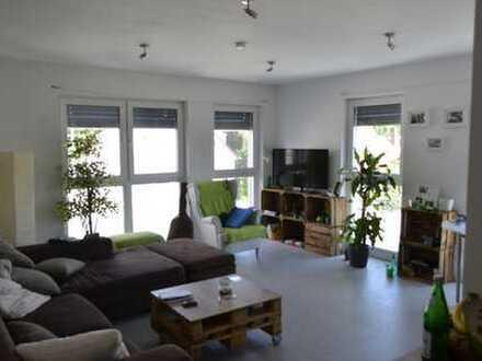 Geräumige zwei Zimmer Wohnung in Würzburg (Kreis), Estenfeld