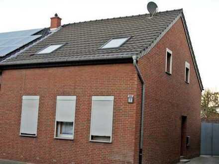 Sanierte Doppelhaushälfte mit vier Zimmern in Vorst, Tönisvorst