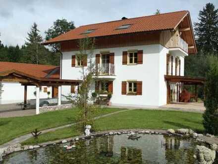 1.100.000 €, 264 m², 8 Room(s)