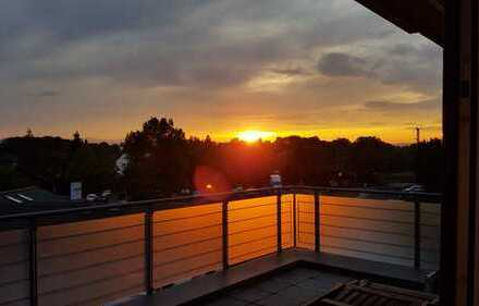 Exklusive, neuwertige 3-Zimmer-DG-Wohnung mit Balkon und EBK in Bad Vilbel
