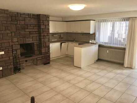 Renovierte 2-Raum-Wohnung (Souterrain) mit Terrasse und neuer Einbauküche in Waldbronn