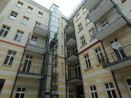vermietete 2,5-Zimmer-ETW in Friedrichshain, Balkon, EBK, KEIN MAKLER