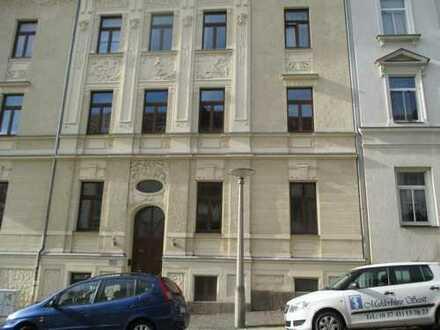 Schöne große 2-Zimmer-Wohnung mit Wohnküche und Balkon im 1. OG - Antonstr. 11 in Plauen
