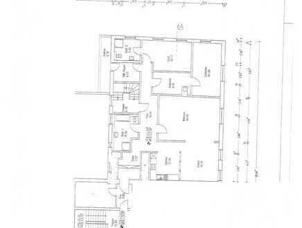 Sanierte 5-Zimmer-Wohnung mit Balkon und Einbauküche in Rastatt