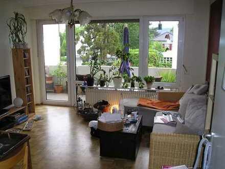 Moderne 2 Zimmerwohnung in ruhiger Lage, Sonnenbalkon, Parkett