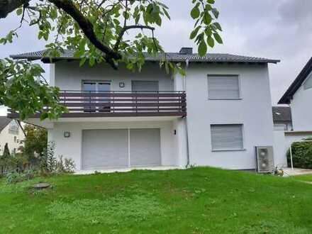 ARNOLD-IMMOBILIEN: Top saniertes Einfamilienhaus mit großem Garten