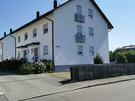 Schöne Doppelhaushälfte mit fünf Zimmern in Burgau
