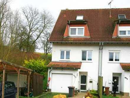 Wunderschönes Reihenendhaus in sonniger Lage in Eschelbronn (5 Zimmer, 2 Bäder, Küche...)