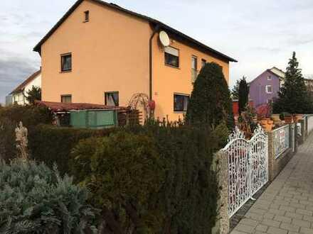 Gemützliches Haus mit kleinem Garten und Garage in bevorzugter Wohnlage von Neumarkt