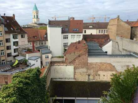 2-Raum-Penthouse-Wohnung mit 2 Terrassen und Einbauküche in Karlsruhe