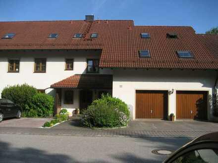 Schöne, geräumige 4 Zimmer Wohnung mit großem Südbalkon in Walpertskirchen Kreis Erding