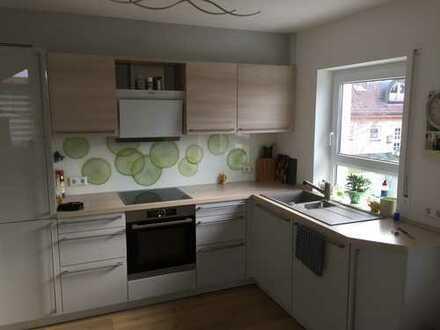 hochwertige gepflegte 3-Zimmer-DG-Wohnung mit Balkon und Einbauküche in Main-Tauber-Kreis