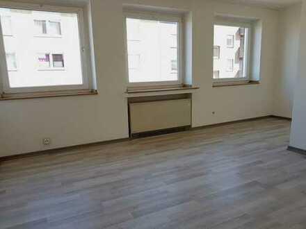 Single-Appartement, hell, Aufzug, Kochnische