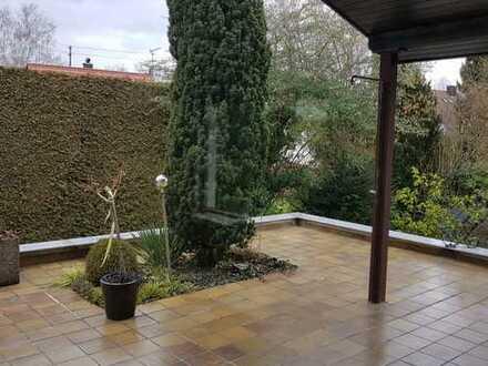 Große 4,5 Zimmerwohnung, saniert, renoviert, EBK, gr Garten mit Terrasse, Garage in Leinfelden