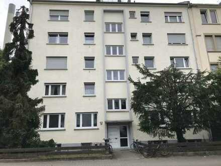 2 Zimmerwohnung saniert und in guter Lage Nähe Dornbusch