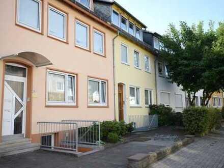 Direkt an der kleinen Weser ! Ruhig gelegene Wohnung mit Balkon in begehrter Wohnlage