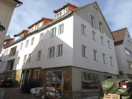 Kernsanierte 3,5 Zi-Wohnung mit Loggia und Terrasse