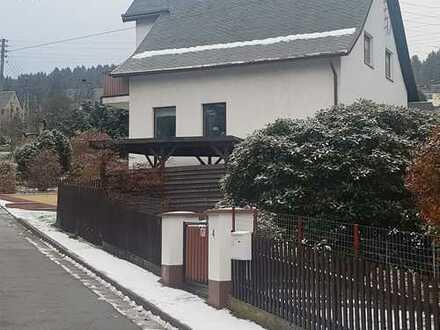 Gemütliches Einfamilienhaus mit Terrasse, Balkon, Garage ...-aktuell reserviert