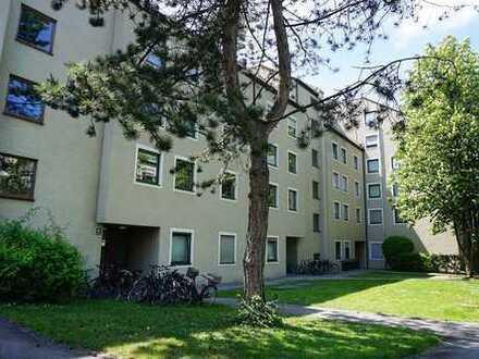 Großzügige 3-Zimmer-Wohnung mit Balkon, EBK und TG-Stellplatz in zentraler Lage in Berg am Laim