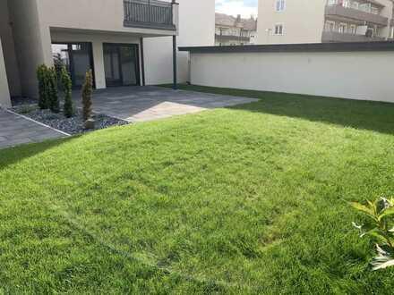Exklusive 3-Zimmer-Wohnung mit großer Terrasse und Garten !