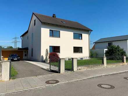 Zweifamilienhaus mit großem Garten in Meitingen!