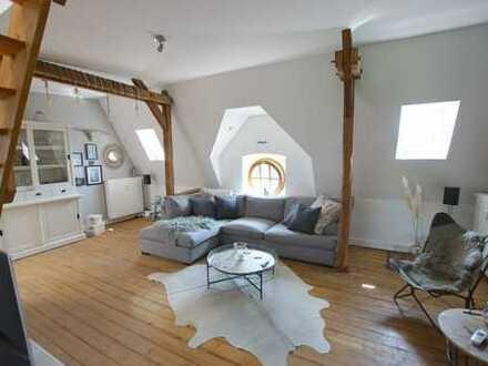 Wohnen über den Dächern der Neusser Innenstadt: Moderne Maisonettewhg. im Loftstil mit Dachterrasse