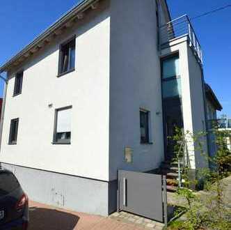 Helles Einfamilienhaus mit großer Terrasse und Balkon in Nordheim