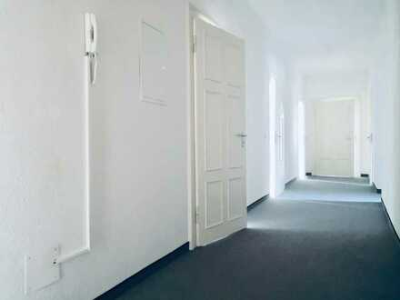 Große Gewerbefläche mit 5 Praxis- / Büroräumen auf dem Chemnitzer Kaßberg