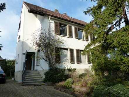 Freistehendes Einfamilienhaus in ruhiger Lage in Neustadt/Weinstraße, Hambacher Höhe (Kernstadt)