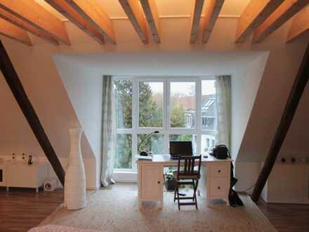 Attraktive 4-Zimmer-Maisonette-Wohnung mit Loggia in Rüttenscheid