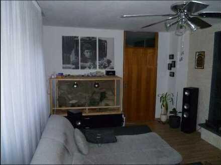 Modernisierte 2-Zimmer-Wohnung mit Balkon und Einbauküche in Sindelfingen