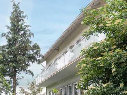 Sonniger Logenplatz mit Aussicht - 5 Zimmer ETW mit unverbaubaren Blick vom umlaufenden Balkon