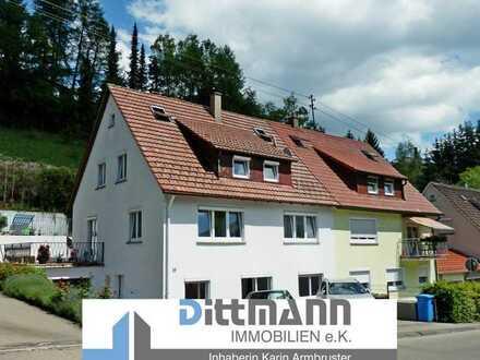 Sonnige 3 - Zimmer Dachgeschosswohnung mit Garten in Ebingen