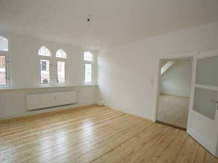 Schöne Altbau 3-Zimmer-Wohnung mit Balkon, top renoviert!