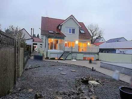Endlich!!! Modernes Einfamilienhaus mit Platz für die Familie und großem Garten!