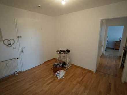 Sanierte 2-Zimmer-Wohnung mit Einbauküche