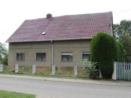 Siedlungshaus in ruhiger Ortsrandlage mit Anliegerverkehr
