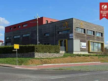 Ökologisch & energetisch erstklassige Gewerbeimmobilie inkl. Skylineblick aus dem Penthouse.