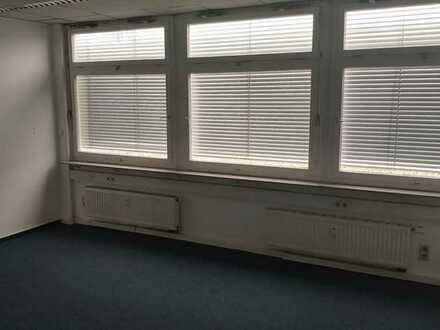 Büro in Bürogemeinschaft, zentral in Stuttgart-Zuffenhausen