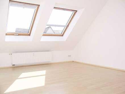 !!!TOP-Dachgeschosswohnung mit Balkon im Herzen des Kaßbergs!!!