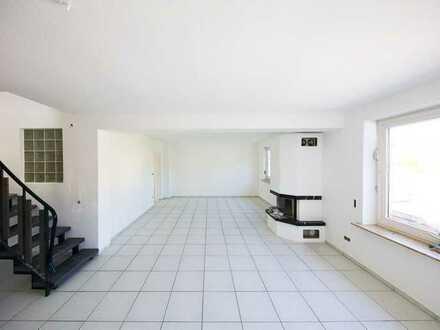 Erstbezug nach Sanierung mit Balkon: attraktive 5-Zimmer-Wohnung in Würzburg
