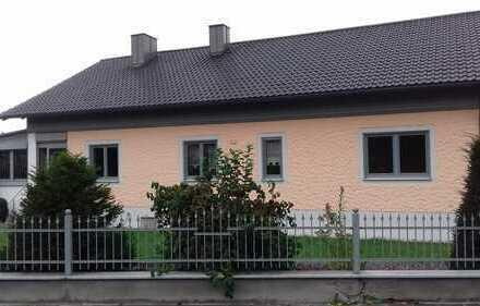 Rarität ! Wunderschönes Haus auf großem Grundstück - Wohnen auf einer Ebene ! RESERVIERT